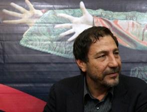 اجرای نمایش «بیگانه» به کارگردانی مسعود دلخواه در سالن چهارسو