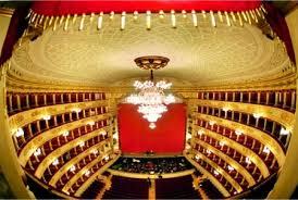 اخبار دنیای تئاتر هر روز خندهدارتر میشود/ کارگردان «معمای شاه» به دنبال اجرای تئاتر در تالار وحدت!
