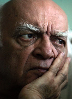 نجف دریابندری منکر گفتههای ابراهیم گلستان درباره احمد شاملو شد: بگذارید هر چه دلش میخواهد بگوید